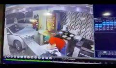 ذُعر وتصرف شجاع منع كارثة.. شاهد فيديو يرصد اقتحام سيارة تقودها امرأة مطعمًا بالسعودية