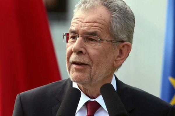 النمسا: تكليف زباستيان كورتس بتشكيل حكومة ائتلافية جديدة