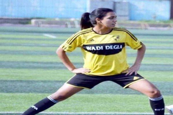 """""""ادعم الكرة النسائية"""".. لاعبة ستوك سيتي توجه رسالة لمحمد صلاح"""