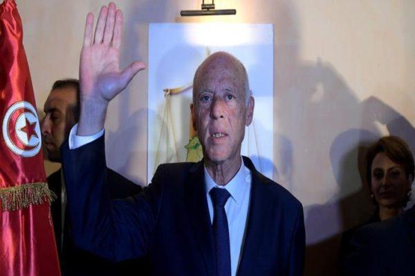 """""""قيام ليل ودعوات ومدح"""".. قيس سعيد كسب قلوب الفلسطينيين بـ """"جُملة"""""""