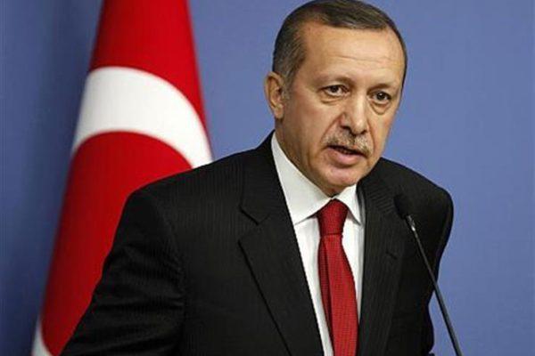 مساعد كبير لأردوغان ينتقد معاملة أمريكا لقائد قوات سوريا الديمقراطية