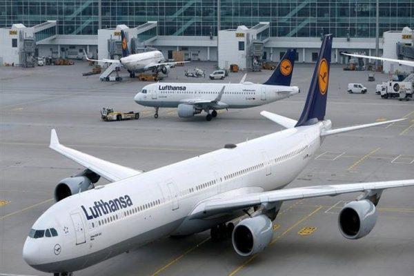 إضراب لنقابة المضيفين الجويين الألمانية في 4 فروع لشركة لوفتهانزا