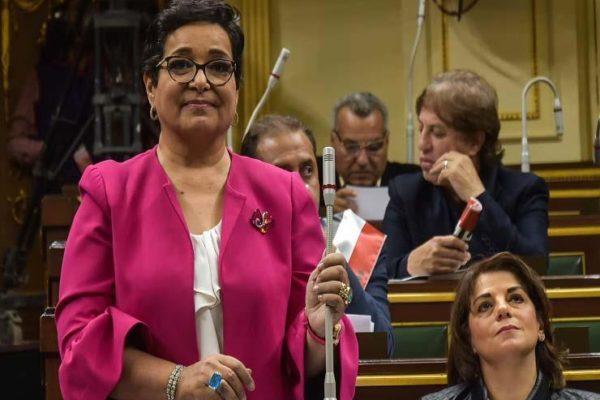 """برلمانية تهدد الحكومة بسحب الثقة: """"فشلت في التعامل مع الأمطار"""""""