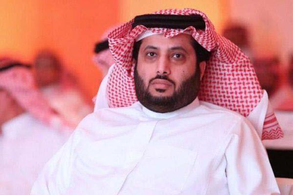 """""""آل الشيخ"""" يتوعد مقاولًا مصريًا بإسبانيا: """"سأقاضيه.. ممكن يرحلوه بلده"""""""