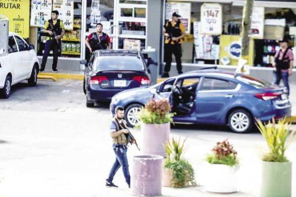 فيلم «أكشن» بشوارع المكسيك.. عصابة «إل تشابو» تجبر الحكومة على الإفراج عن زعيمها (فيديو)