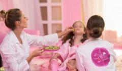 حدث بالفعل.. خبيرات تجميل وجلسات«Spa» للأطفال داخل حضانة في التجمع (صور)