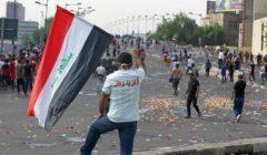 صور.. فنانة عراقية شهيرة تختنق بالغاز في مظاهرات بغداد