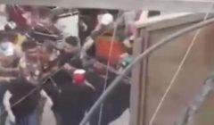 بالفيديو.. متظاهرون عراقيون يقبضون على أحد مطلقي النار.. والحكومة تعترف