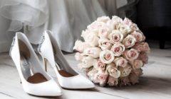 عروس كويتية تتجول بثوب الزفاف وطرحة بأحد المتاجر الشهيرة - شاهد