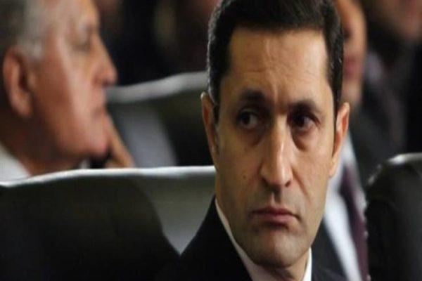 """علاء مبارك عن شائعة وفاة والدته: """"أخبار كاذبة لا أساس لها من الصحة"""""""