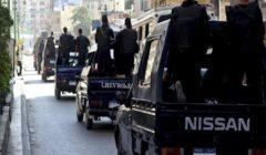 ضبط 17 سلاحًا آليًا وخرطوشًا خلال مداهمة لقرية الحجيرات بقنا