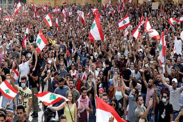 احتجاجات لبنان: محطات وقود تغلق أبوابها في ظل وضع اقتصادي متأزم