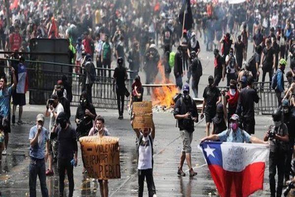 الأحزاب السياسية في تشيلي توافق على مسار لصياغة دستور جديد