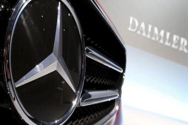 """""""مرسيدس بنز"""" تستدعي مئات الآلاف من السيارات في الصين لمشاكل تتعلق بالسلامة"""