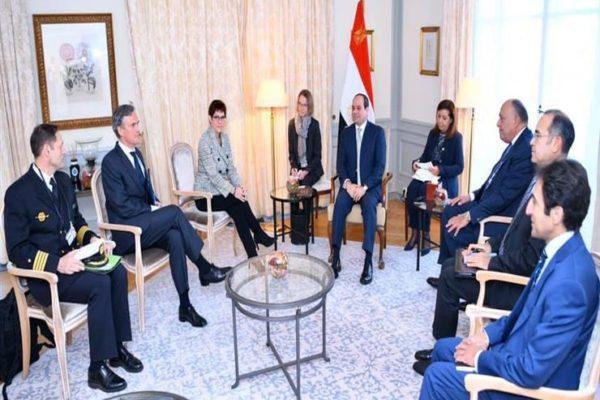 السيسي يستقبل وزيرة الدفاع الألمانية لتعزيز التعاون العسكري (فيديو)