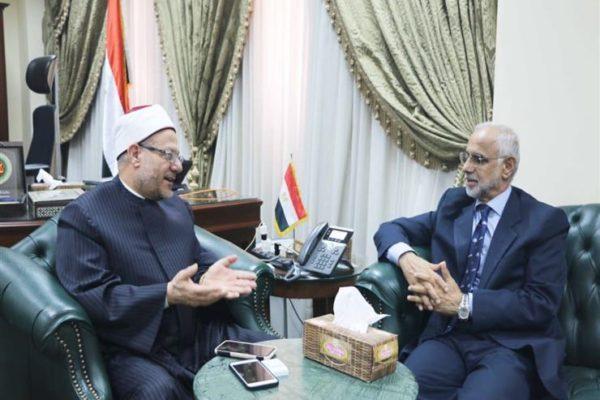 المفتي يستقبل سفير عمان لتوديعه قبل تسلم مهام منصبه الجديد