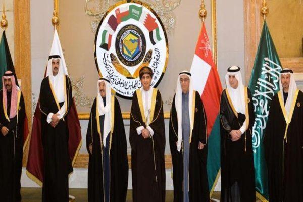 مصدر: الرياض تستضيف القمة الخليجية المقبلة بدلا من أبو ظبي