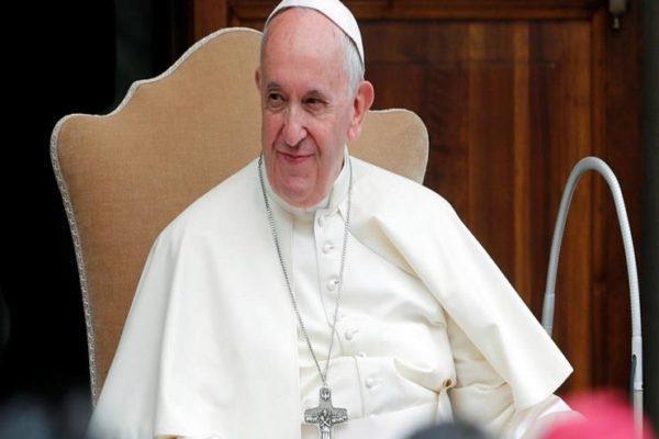 بابا الفاتيكان يدعو من اليابان إلى عالم خالٍ من الأسلحة النووية
