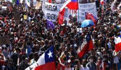 إصابة شرطيتان بحروق إثر إلقاء عبوات حارقة خلال مظاهرات بتشيلي
