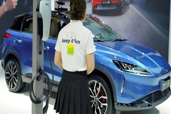 """""""بكين"""" تنافس الكبار بسيارتها الكهربائية الجديدة """"يو 5"""" بسعر 450 ألف جنيه"""