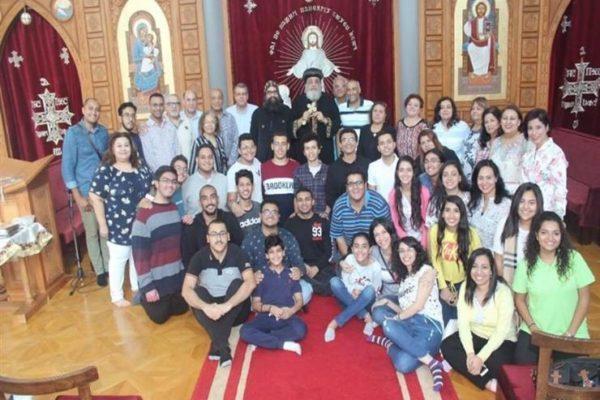 البابا تواضروس يستقبل عائلات قبطية من العاملين في قطر