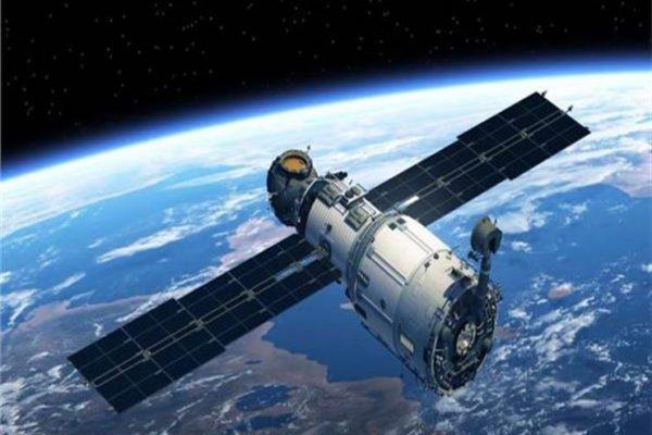 """خلال أيام.. مصر تحتفل بإطلاق القمر الصناعي الأول للاتصالات""""طيبة -1"""""""