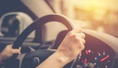 دراسة: الاستماع إلى الموسيقى أثناء القيادة يقلل من إجهاد القلب