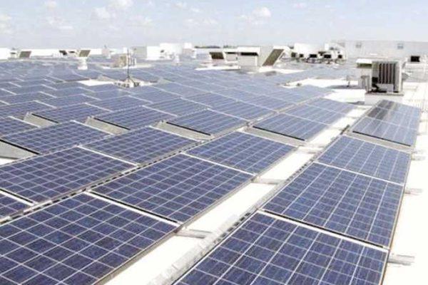 «ثانوية الخارجة».. أول مدرسة «طاقة شمسية» بالوادي الجديد
