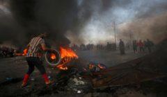"""في واحد من """"أسوأ"""" أيام الاشتباكات.. مقتل 13 متظاهرا جنوبي العراق"""
