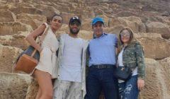 داني ألفيش نجم البرازيل السابق وزوجته يزوران الأهرامات (صور)
