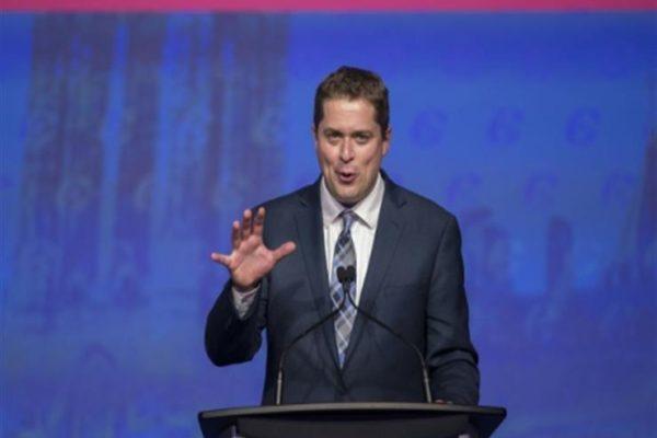 زعيم المعارضة الكندية يدعو لوحدة المحافظين مع تزايد الدعوات لاقالته