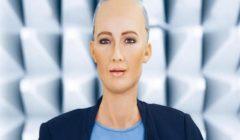 """""""انتظروا مشاركتي"""".. الروبوت صوفيا تتحدث في منتدى شباب العالم 2019"""
