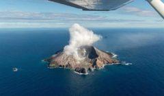 ارتفاع حصيلة قتلى ثوران بركان نيوزيلندا إلى 14 شخصا