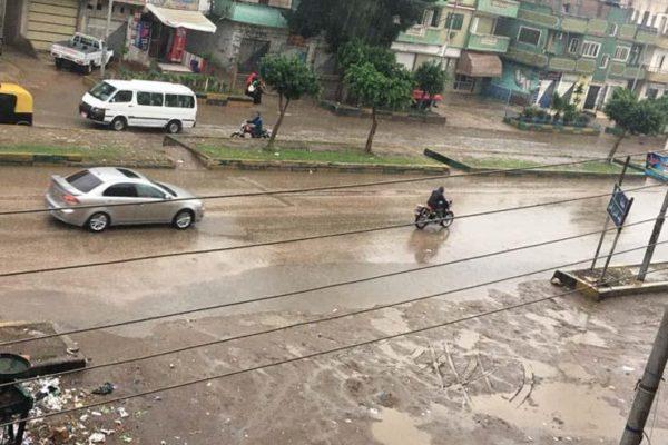 """تزامنًا مع الأمطار.. """"الكهرباء"""" تجهز فرق طوارئ وتوجه نصائح للمواطنين"""