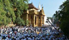 السريلانكيون يحتفلون بعيد الميلاد في أجواء يخيم عليها الحزن على خلفية هجمات الفصح