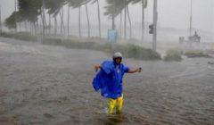 """الإعصار """"كاموري"""" يقتل 11 شخصا ويشرد نصف مليون شخص بالفلبين"""