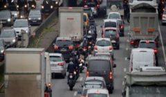 اختناق مروري في باريس خلال اليوم الثاني من إضراب وسائل النقل