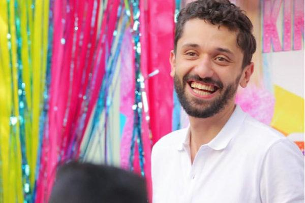 شاهدوا زوجة الفنان كريم محمود عبد العزيز في ظهور نادر لها تشعل إنستجرام !!.. بالصور