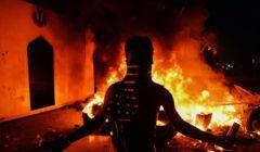 إثر اغتيال ناشط مدني.. إحراق مقرات فصائل مسلحة جنوبي العراق