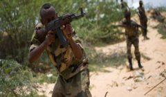 الجيش الصومالي يتصدى لهجوم على قاعدة عسكرية بجنوب البلاد