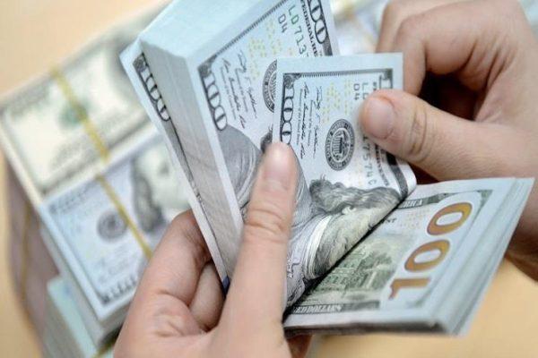 سعر الدولار يرتفع أمام الجنيه في 3 بنوك مع نهاية التعاملات