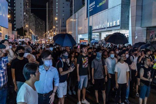 المتظاهرون في هونج كونج يبدأون العام الجديد بمسيرة حاشدة