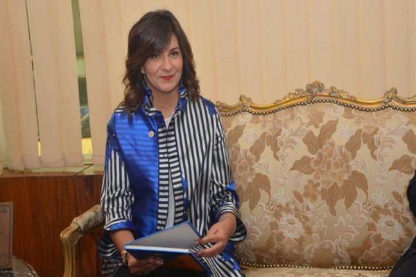 دخلت المستشفى منذ 4 سنوات.. وزيرة الهجرة تنعى مسنة مصرية في الكويت
