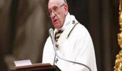 بعد أن ضرب سيدة على يدها.. صحيفة إيطالية: البابا فرنسيس إنسان أيضا