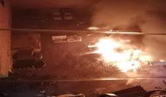 المعمل الجنائي يعاين موقع تفحم 5 سيارات في جراج خاص بفيصل