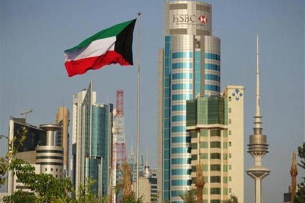 الكويت تستغني عن 25 ألف وافد من العاملين في القطاع الحكومي