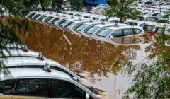 الأسوأ منذ 7 أعوام..23 قتيلا وعشرات آلاف المشردين في فيضانات إندونيسيا