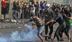 العراق.. مقتل متظاهر ببغداد ومشاهد توثق إطلاق النار على المحتجين