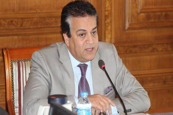 بالصور.. وزير التعليم العالي يشارك افتتاح معرض (EDU-GATE) للجامعات