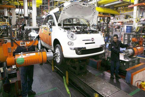 """""""كورونا يصيب قلب أوروبا"""".. فيات تعتزم وقف الإنتاج بمصنعها في صربيا"""